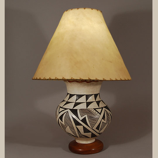 C3174B-lamp2.jpg - Southwest Indian Pottery Acoma Pueblo Contemporary Acoma