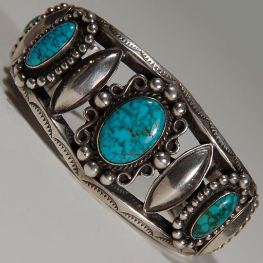 Din 233 Navajo Sterling Silver And Lone Mountain Turquoise