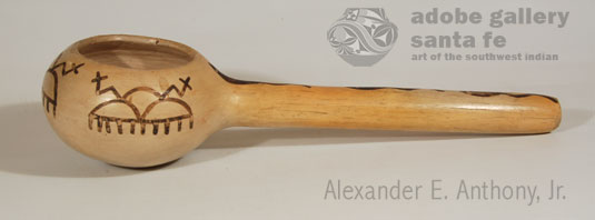Side view of ladle.