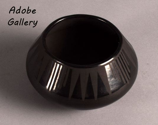 Alternate view of this pottery jar by Maria Martinez.