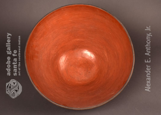Alternate inside view of this wonderful Zia Pueblo Dough Bowl.