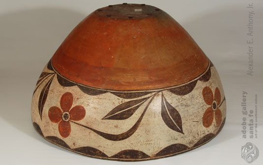 Alternate view - bottom - of this Zia Dough Bowl.