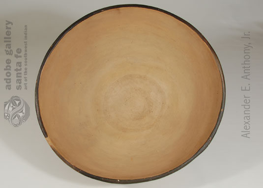 Alternate View of inside of bowl.