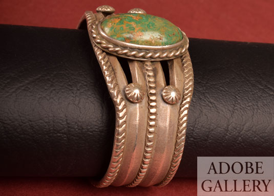 Alternate Side view of this bracelet.