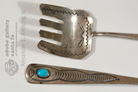 Close up view of the detail of this Flatware Set.