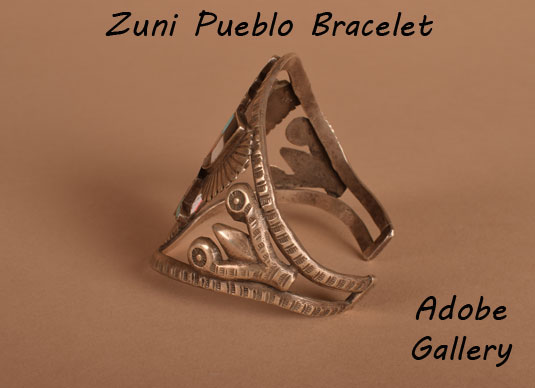 Alternate view of the side of this bracelet.