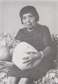 Image Source: family of Polingaysi Qoyawayma, Elizabeth White, Hopi Pueblo Author and Artist
