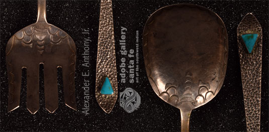 Close up view of this set of two pieces: fork and spoon.