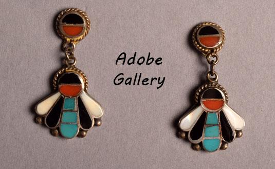 Pair of earrings as part of this set.