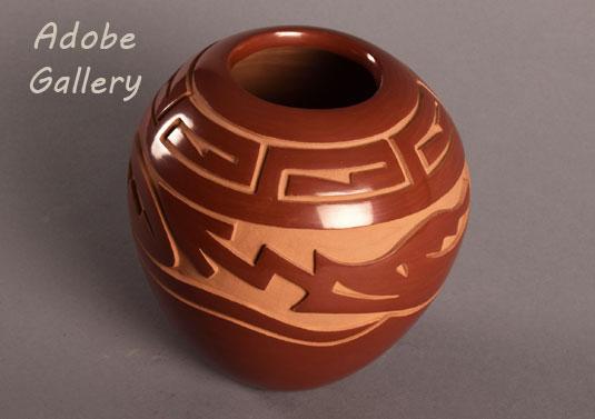 Alternate view of this wonderful redware vessel.