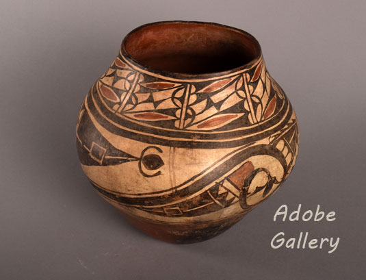Alternate view of this wonderful Zia Pueblo jar.
